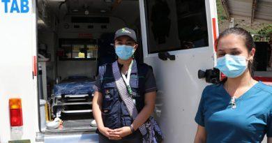 Entregan ambulancias a 50 municipios de Nariño