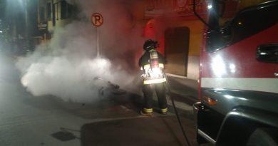 Moto se incendió a la madrugada en Pasto