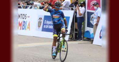 Ciclista de Sibundoy festejó en la Vuelta la Juventud